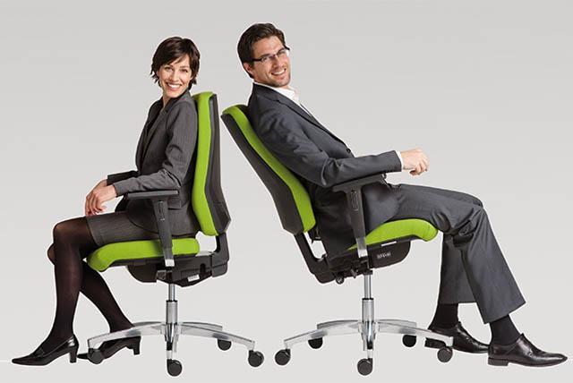 Bürostühle mit Synchronmechanik von Dauphin