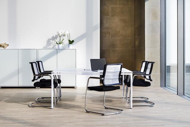 Moderne Meeting-Raum Einrichtung