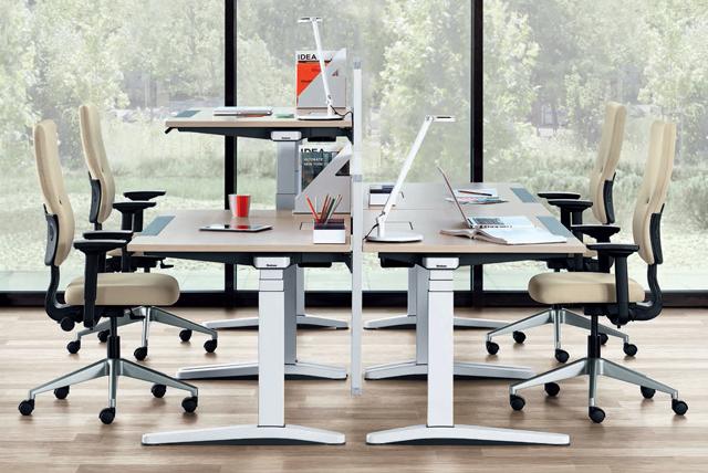 Steh-Sitz-Tische für das Büro