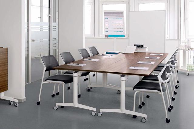 Steelcase Konferenzraum-Einrichtung
